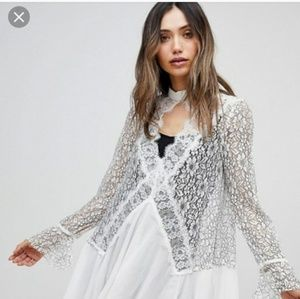 Tell tale tunic - white /black lace